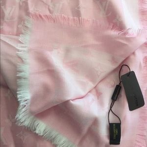 Pink Louis Vuitton scarf